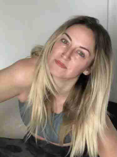 Juli Williams - Yoga Teacher Asana at Home